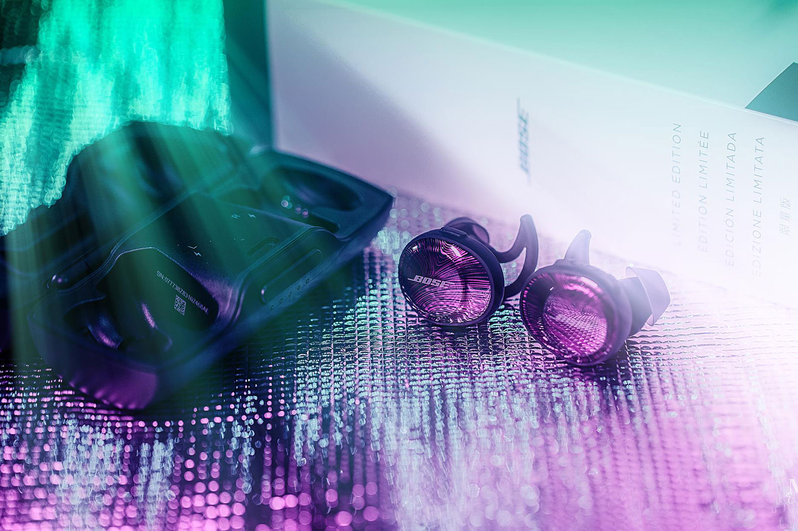 Tai nghe Bose SoundSport Free Ultraviolet